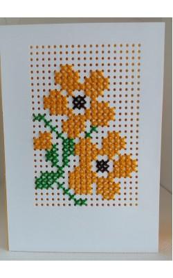 Felicitare cusuta manual pe hartie, flori portocalii, F4014